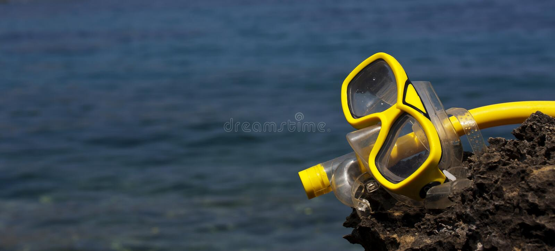 Gafas y tubo respirador fotos de archivo libres de regalías