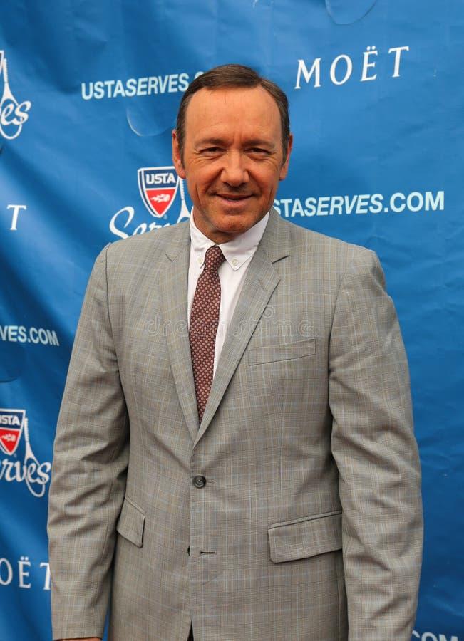 Gagnant Kevin Spacey de prix de l'Académie de deux fois au tapis rouge avant la cérémonie 2013 de première d'US Open photographie stock