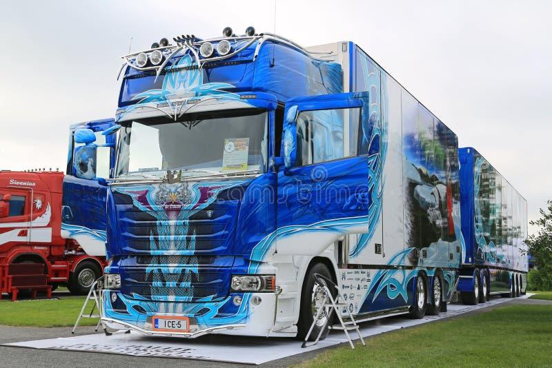 Gagnant superbe de camion de Pricess de glace de Scania R620 photos stock