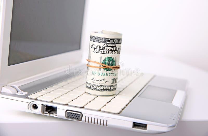 Gagnez l'argent en ligne, des paiements d'Internet photographie stock libre de droits