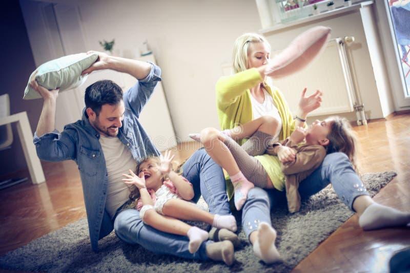 Gaiement famille images stock