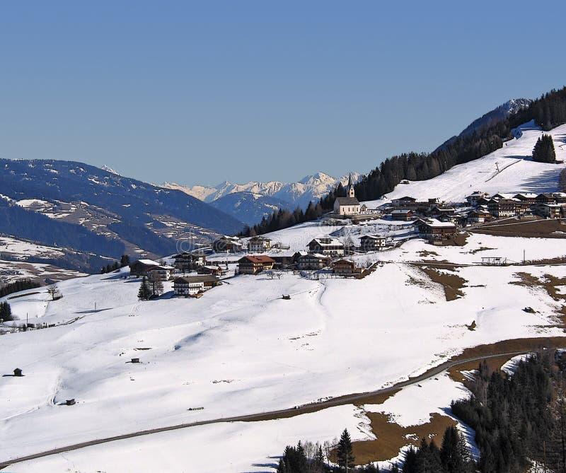 Gailvalley all'inverno tardo immagini stock libere da diritti