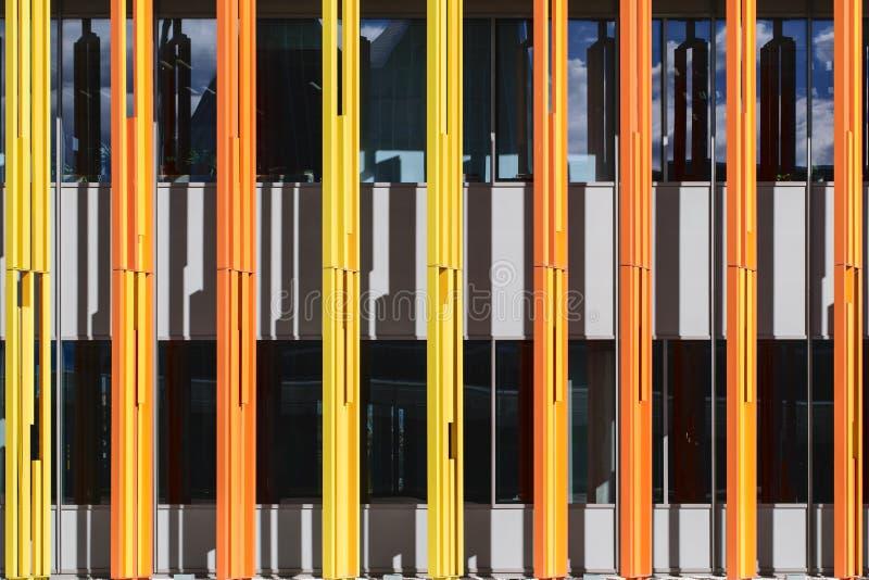 Gaily gekleurde kolommen stock fotografie