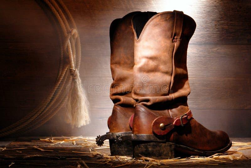 Gaines de cowboy de rodéo et dents occidentales américaines d'équitation photos stock