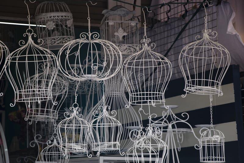 Gaiola de pássaro decorativa clássica imagens de stock royalty free