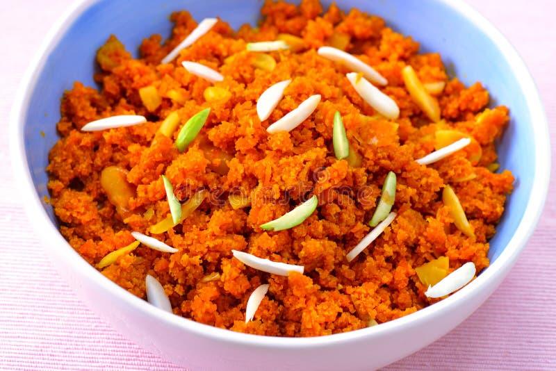 Gajar Halwa o halva de la zanahoria foto de archivo