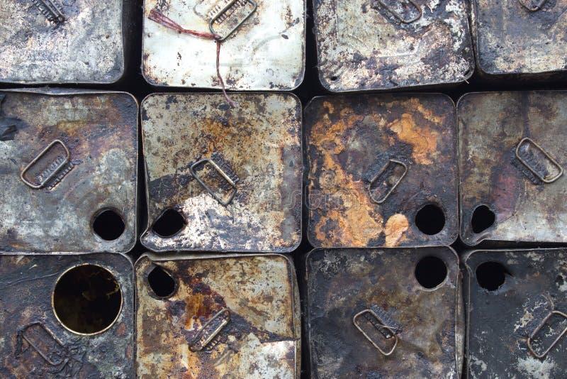 Galão velho do petróleo imagens de stock