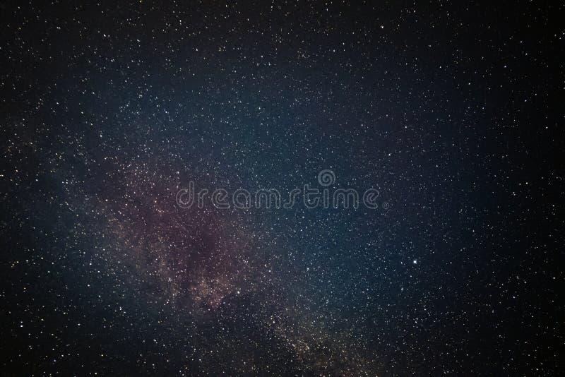Galaktyka gra główna rolę nocne niebo zdjęcia stock