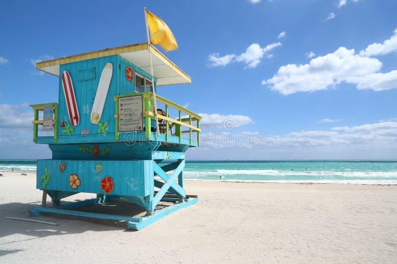 Galanteryjna ratownik buda w Miami plaży fotografia royalty free