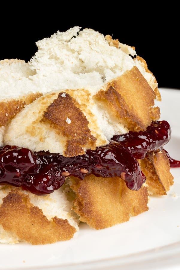 Galaretowa kanapka robić od świeżego białego chleba fotografia royalty free