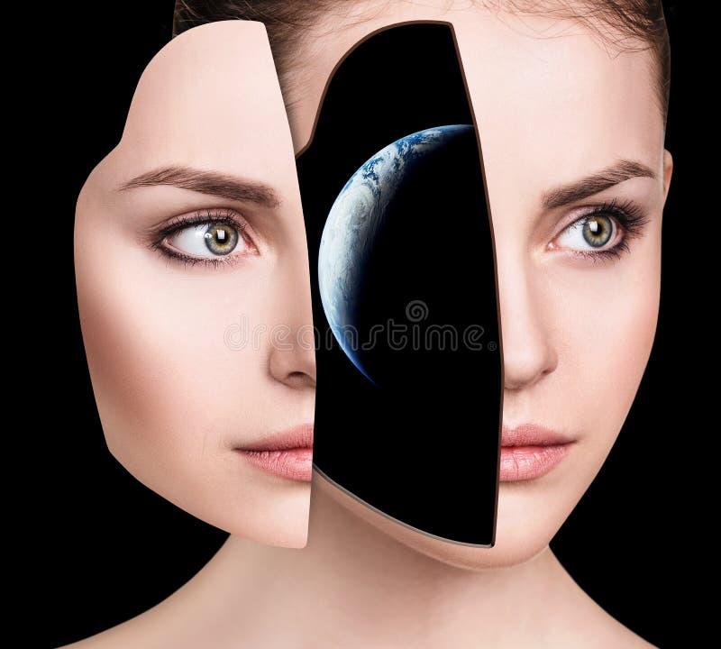 Galassia mistica dentro la testa del ` s della donna immagini stock libere da diritti