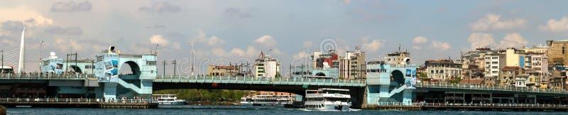 Galata-Brückenrestaurant das goldene Horn in Istanbul, die Türkei stockfoto