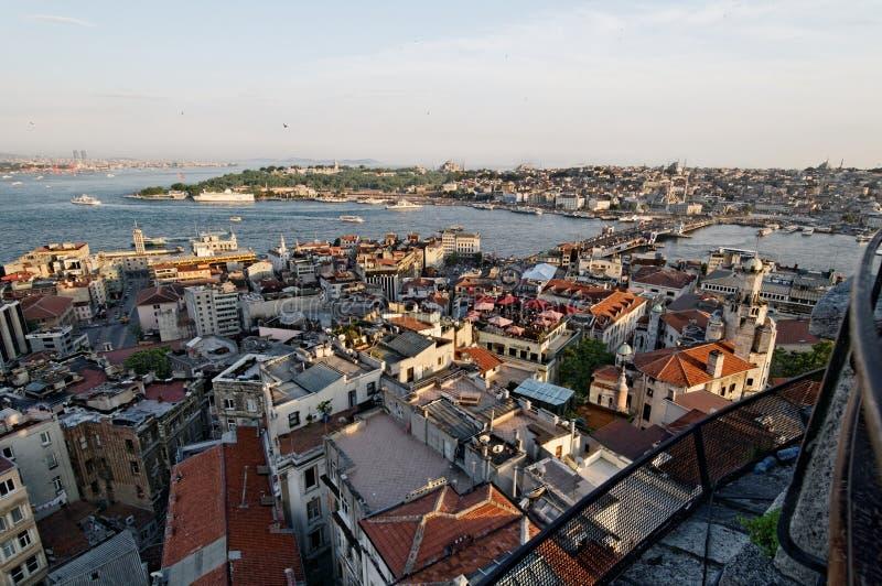 Galata bro över det guld- hornet arkivfoton