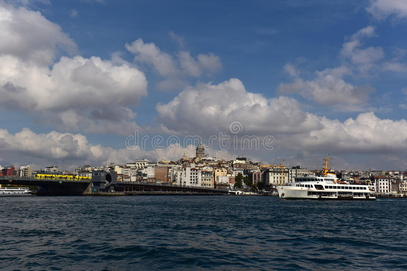 Galata Turm und Beyoglu lizenzfreie stockfotografie