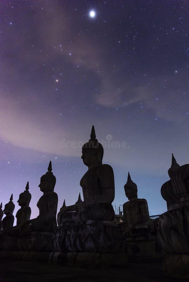 Galax för mjölkaktig väg med stil för filter för buddha kroppsstorlek mörk royaltyfri bild