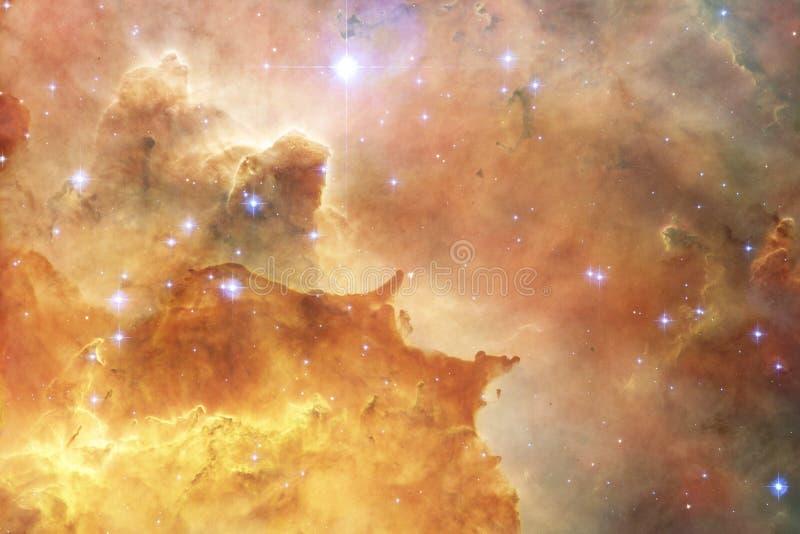 Galax någonstans i yttre rymd Beståndsdelar av denna avbildar möblerat av NASA arkivbilder