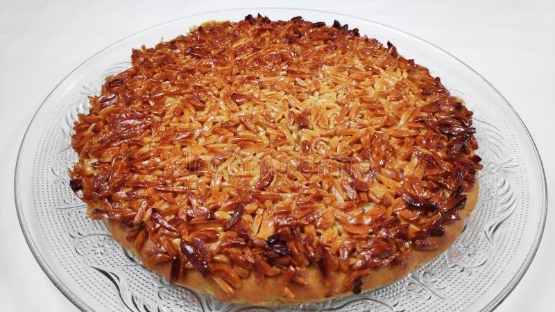 Galdéria caramelizada da amêndoa, uma sobremesa excelente imagens de stock