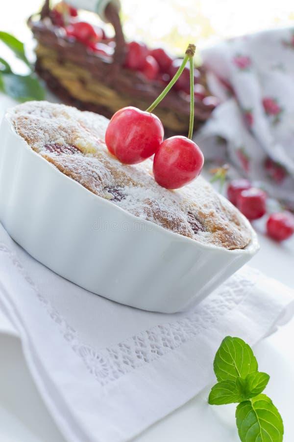 Galdéria fresca com cerejas foto de stock
