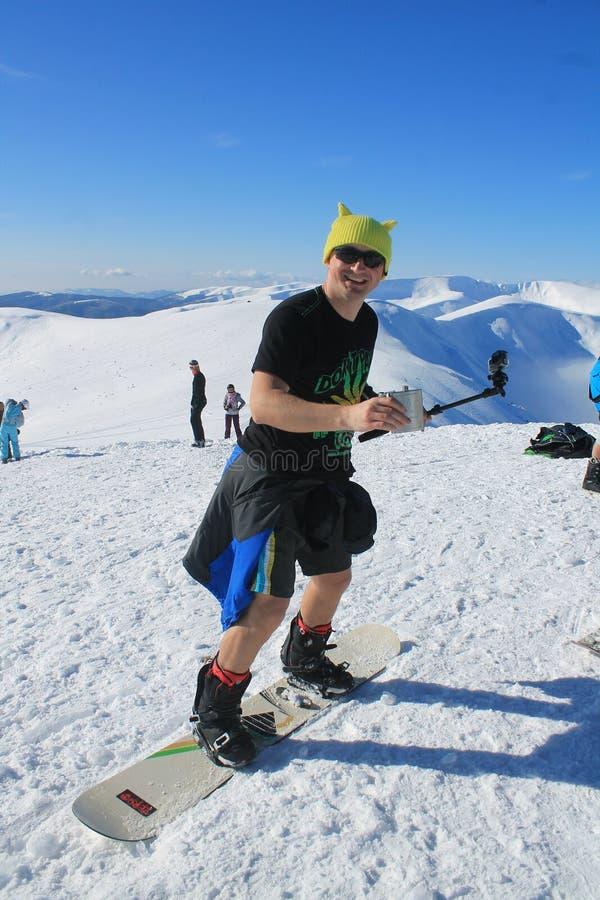 Galen snowboarder sund och aktiv semester royaltyfri fotografi