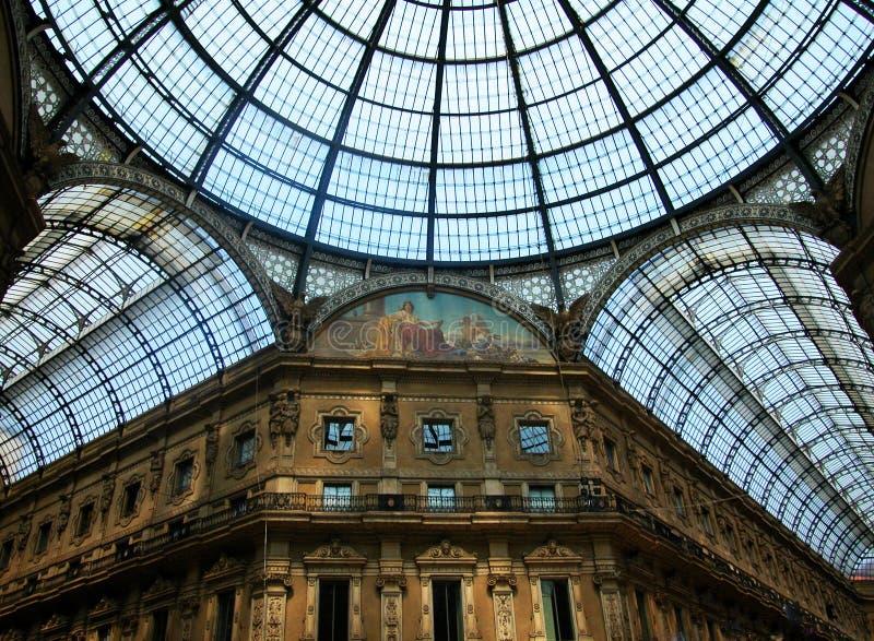 Galería antigua Vittorio Emanuele del centro comercial en el centro de Milán, Italia fotografía de archivo libre de regalías