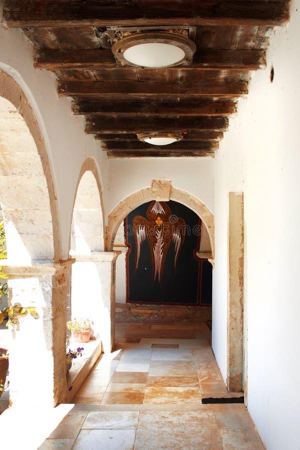 Galería en el monasterio ortodoxo viejo Krk, Croacia fotos de archivo libres de regalías