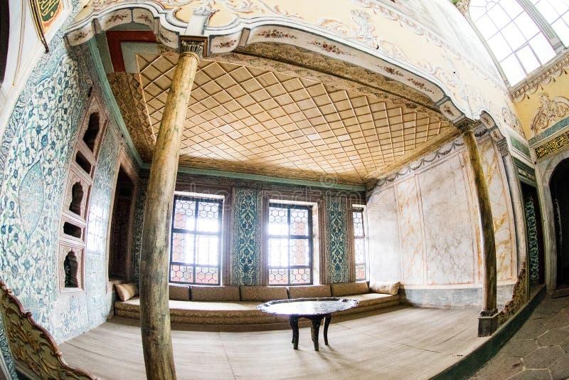 Galeria dentro do harém do palácio de Topkapi imagens de stock