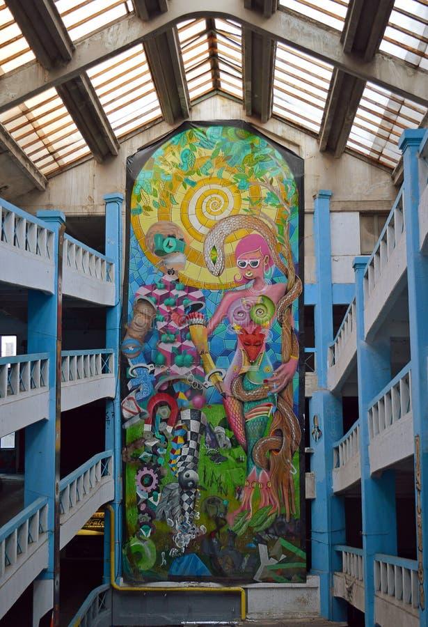 Galeria dos grafittis, Bucareste, Romênia foto de stock royalty free