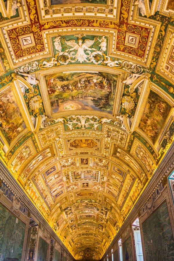Galeria dos mapas geográficos no museu do Vaticano fotografia de stock royalty free
