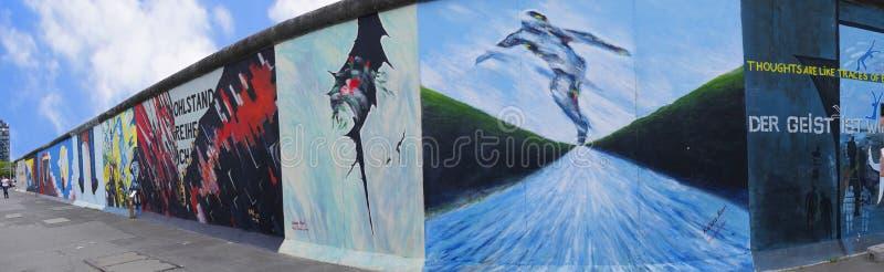 A galeria Eastside de Berlin Wall em Berlin Germany foto de stock royalty free