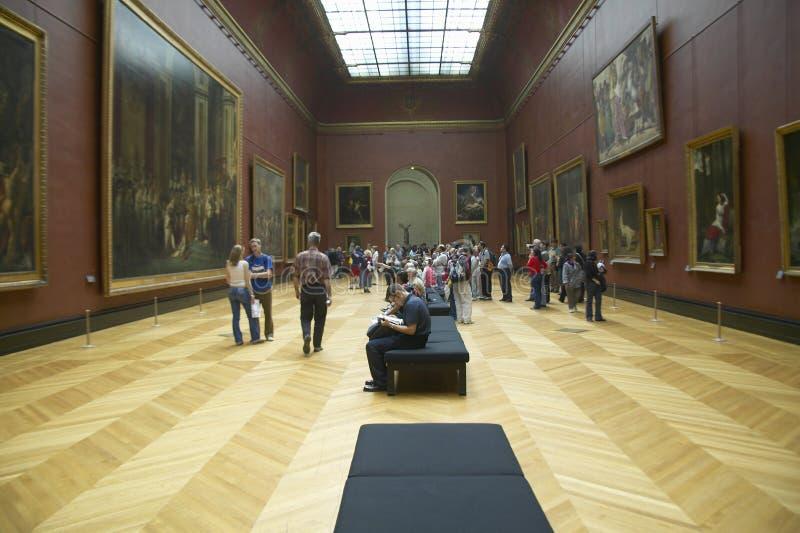 Galeria europeia no museu do Louvre, Paris, França foto de stock royalty free