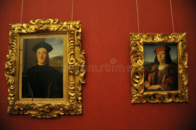 Galeria interna de Uffizi em Florença com pinturas de Raffaello, Itália imagem de stock royalty free