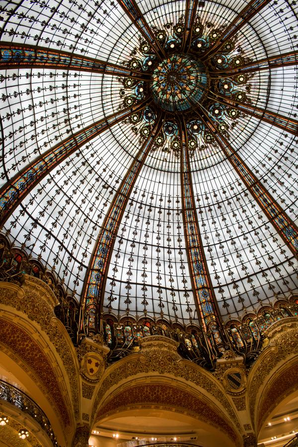 Galerie Λαφαγέτ στο Παρίσι, Γαλλία στοκ εικόνα