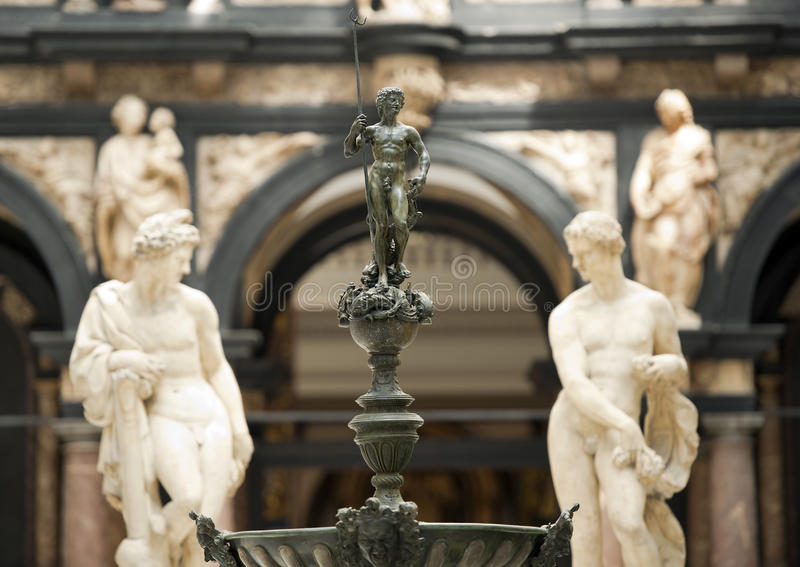 Galerie de médiéval et la Renaissance, Victoria et Albert Museum, Londres image stock