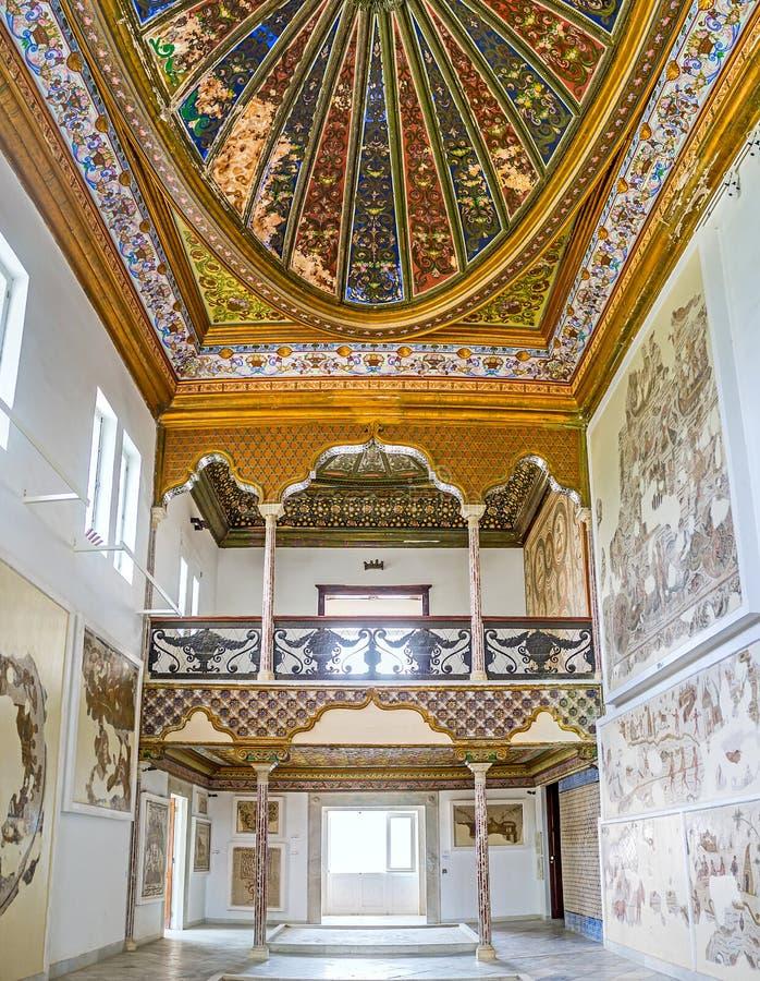 Download Galerie Deux Racontée De Pièce D'Althiburos Image stock éditorial - Image du découpage, hall: 77160709