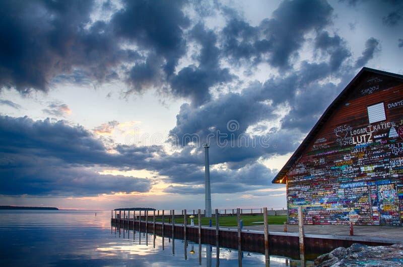 Galerie sur Anderson Dock en Ephraim, WI au coucher du soleil images stock