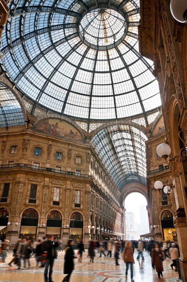 Galerie Vittorio Emanuele Mailand Unschärfe stockbilder