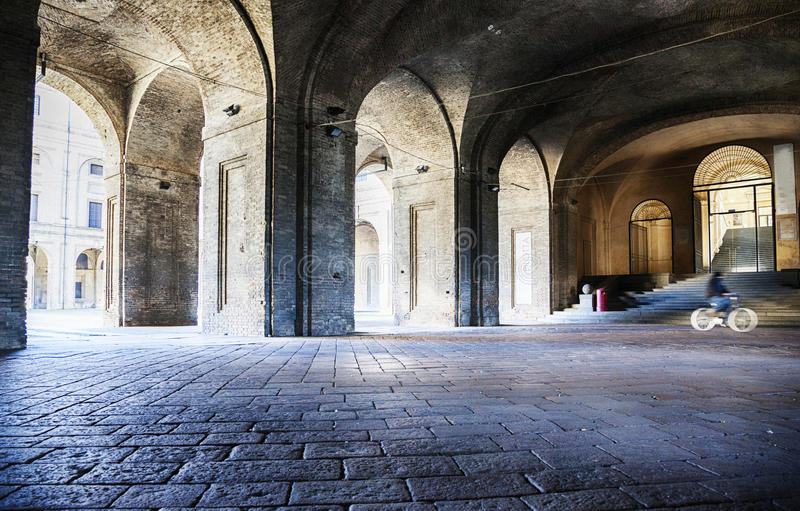 Galerie von Säulengang Marktplatz della Pilotta in Parma, Italien, stockfotos