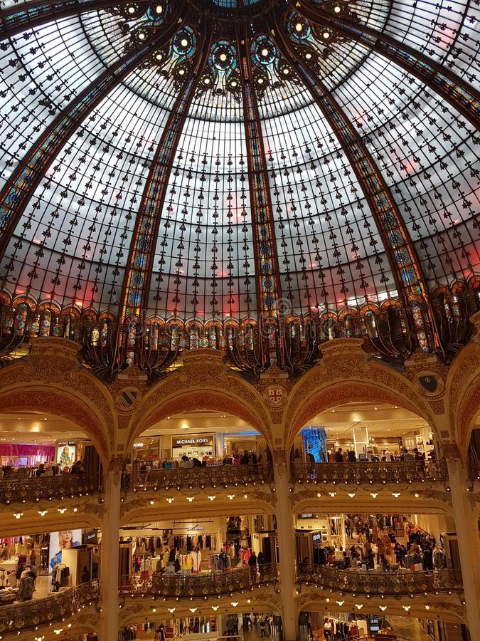 Galeries拉斐特在巴黎 库存照片