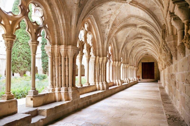 Galeries de monastère de Poblet photos stock