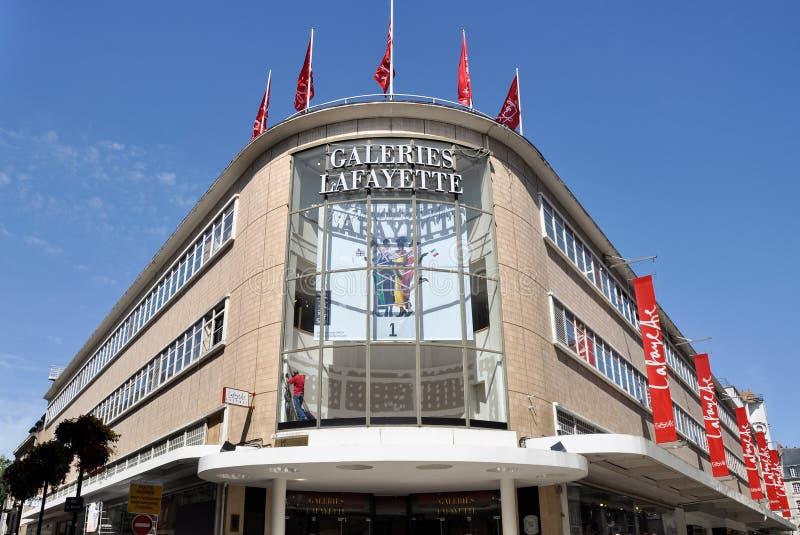 The Galeries Lafayette departement store in Nantes, Frankrike arkivbilder