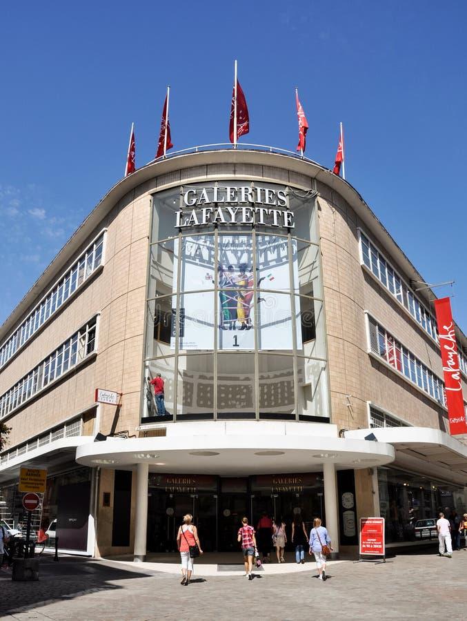 The Galeries Lafayette departement store in Nantes, Frankrike royaltyfri fotografi