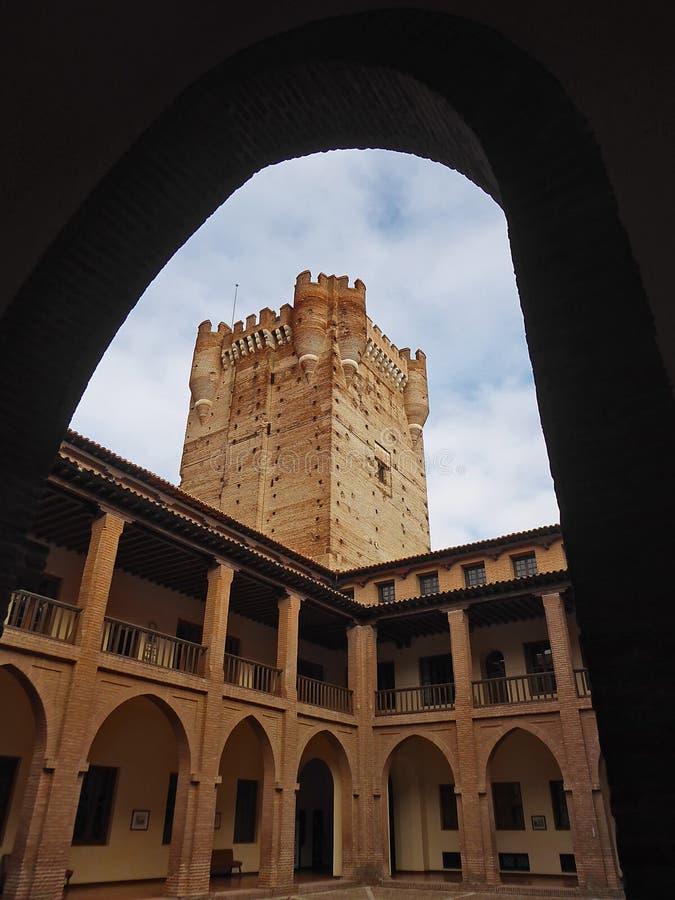 Download Galerijen Van De Toren En Het Kasteel Van La Mota Of Castillo DE La Mota Redactionele Stock Afbeelding - Afbeelding bestaande uit albums, eeuw: 107703349