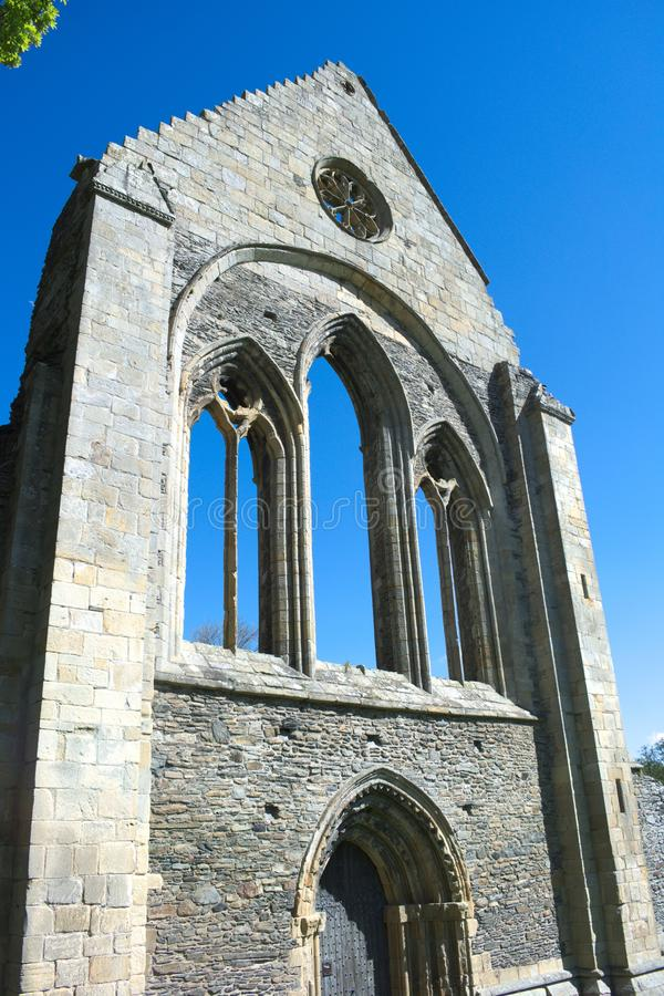 Gales, monastério de Valle Crucis em Denbighshire fotos de stock