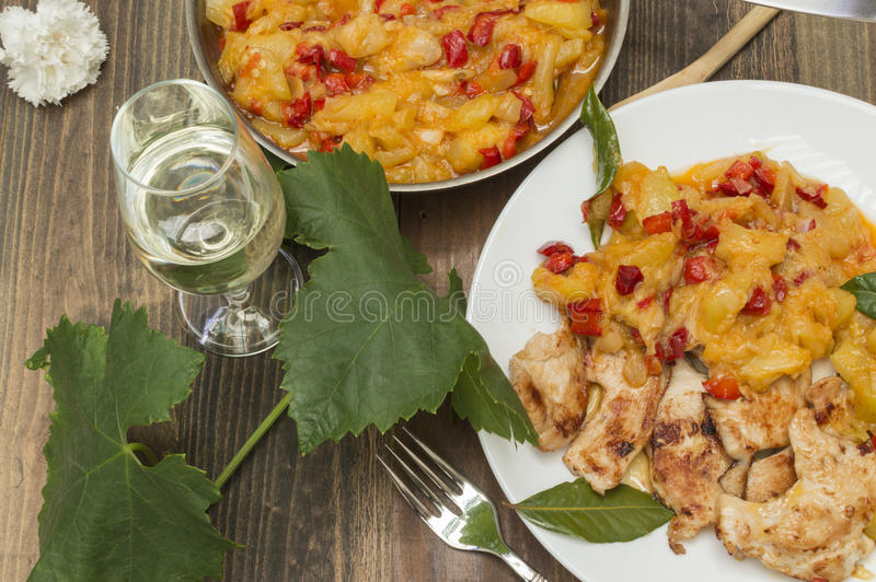 Galinha com zucchini foto de stock royalty free