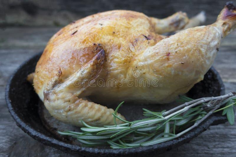 Download Galinha cozida imagem de stock. Imagem de appetizing - 107529199