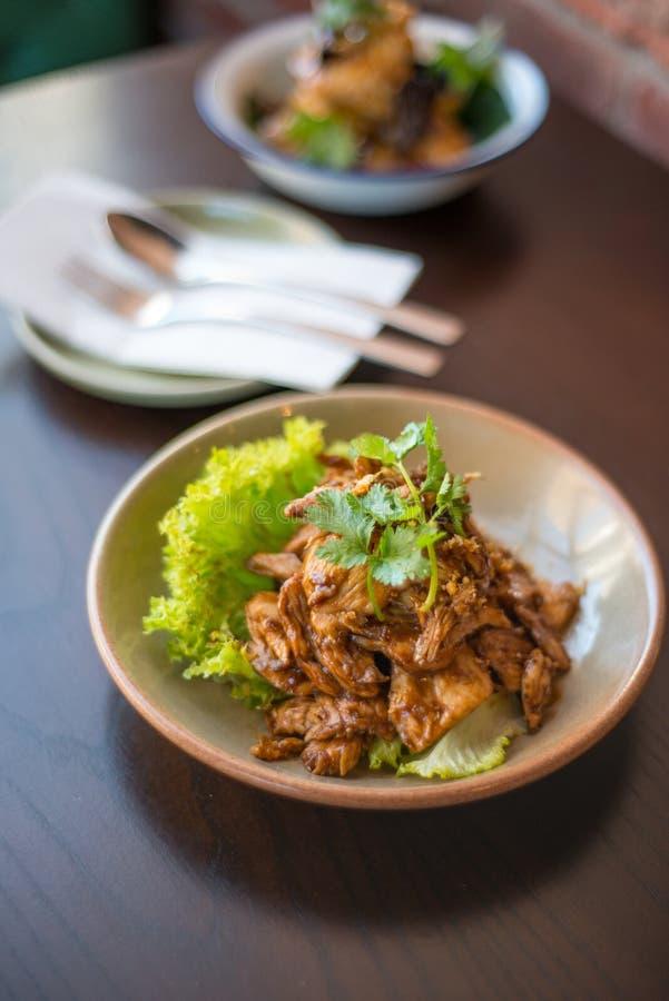 Galinha fritada agitação do alho Alimento tailandês - fritada #6 do Stir foto de stock royalty free