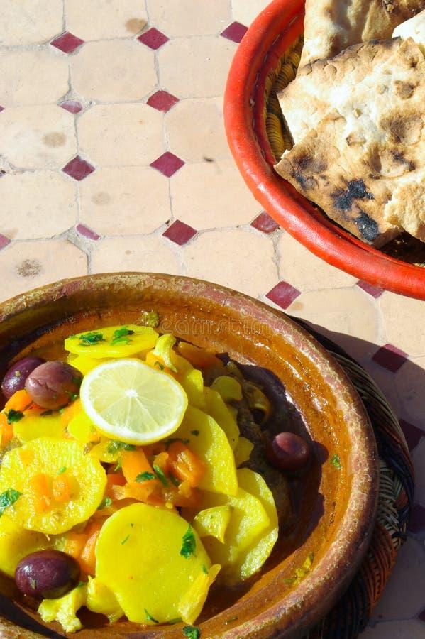 Galinha Tajine em Marrocos fotografia de stock