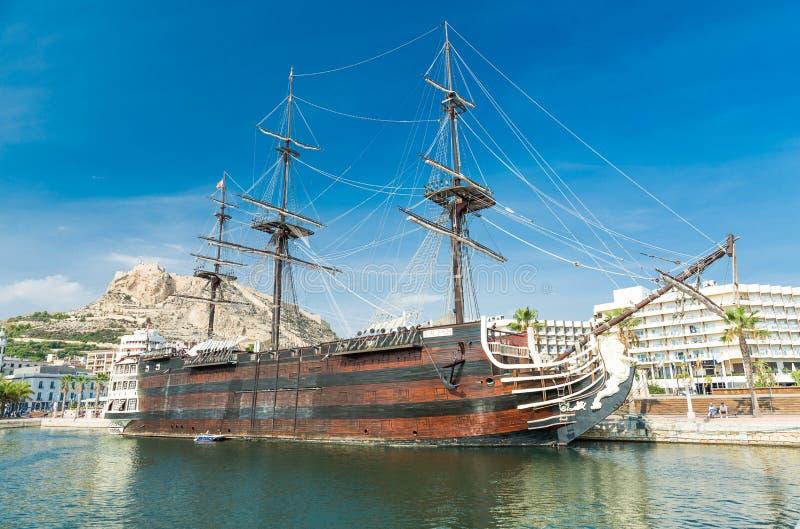 Galion amarré 'Santisima Trinidad', Alicante, Espagne photo stock