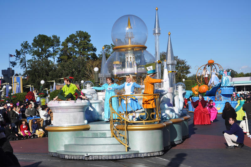 Galleggiante di parata del Peter Pan in mondo Orlando del Disney fotografie stock