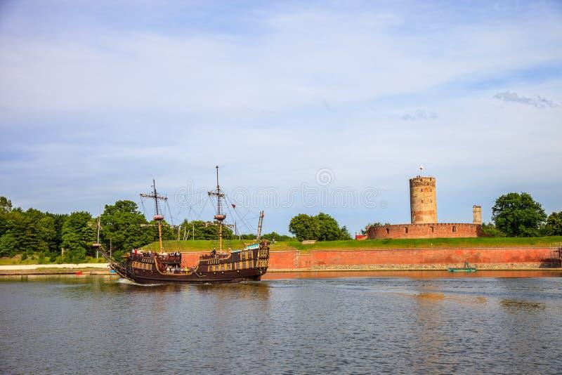 Galleon и крепость стоковые изображения rf